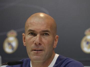 Zidane comparece antes del Clásico