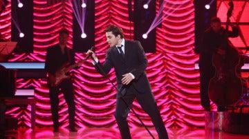 Blas Cantó seduce con su voz como Michael Bublé en 'Feeling Good'