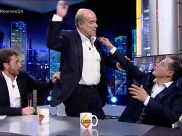 Frame 13.327233 de: Antonio Resines se enfada con Pablo Motos y abandona su entrevista en 'El Hormiguero 3.0'