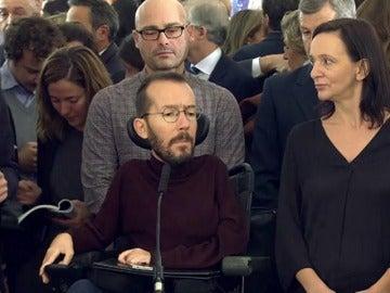 """Podemos acusa al PSOE y al PP de """"violar diariamente"""" la Constitución"""