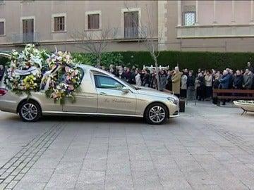 Frame 0.0 de: Más de 700 personas asisten al funeral de los dos agentes rurales asesinados en Lleida