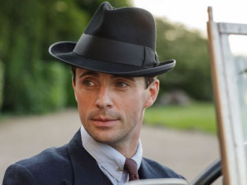 'The Crown' ficha al actor Matthew Goode