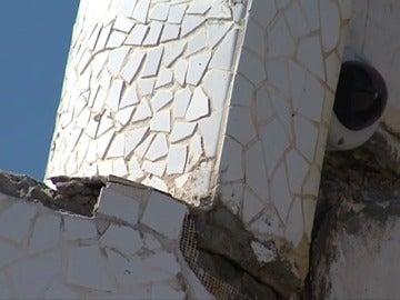 Frame 7.034654 de: El Auditorio de Santa Cruz de Tenerife es otra de las obras de Calatrava que se cae a trozos