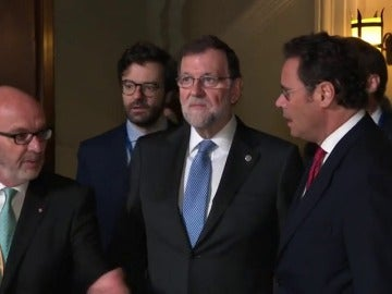 Frame 27.006116 de: Rajoy y Theresa May se reúnen antes del arranque de la cumbre de Malta