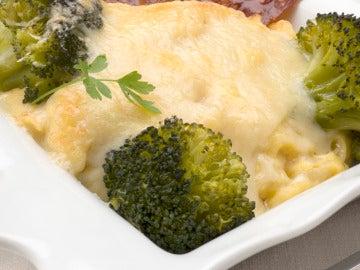 Brócoli con patatas y queso