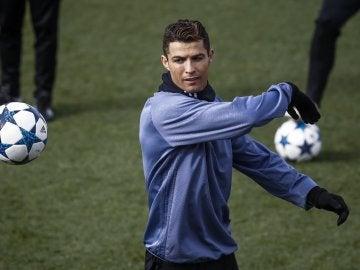 Cristiano Ronaldo, en el entrenamiento en Valdebebas