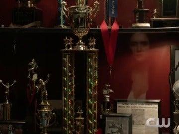 Frame 4.903646 de: Nina Dobrev protagoniza el primer teaser de la temporada final de 'Crónicas Vampíricas'