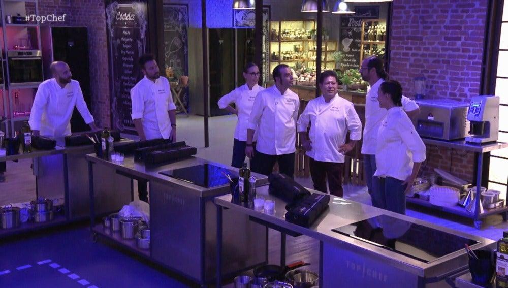 Los primeros siete concursantes consiguen su plaza oficial en 'Top chef'