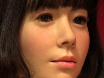 Frame 8.610952 de: Una androide será la presentadora de un programa de televisión online en Japón