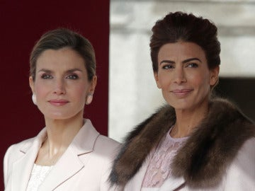 La reina Letizia junto a Juliana Awada