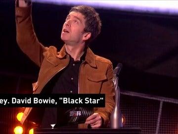 Frame 7.629189 de: David Bowie y Emeli Sandé triunfan en los premios de la música británica