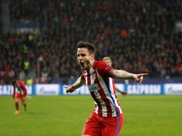 Saúl celebra un gol