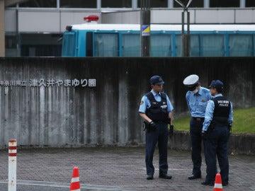 Arrestado por apuñalarse en Japón