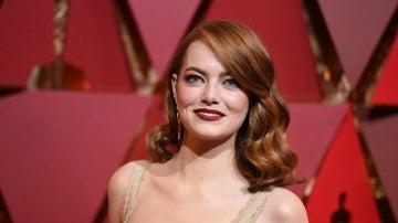 Emma Stone, en la alfombra roja de los Oscar