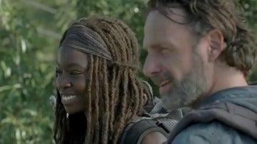 Frame 12.224192 de: Rick y Michonne protagonizan el avance de 'The Walking Dead'