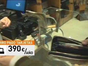 Frame 31.0708 de: Un estudio determina que se pueden ahorrar casi 400 euros al año si compramos con tarjetas