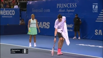 Fritz intenta salvar la polilla en pleno partido de tenis