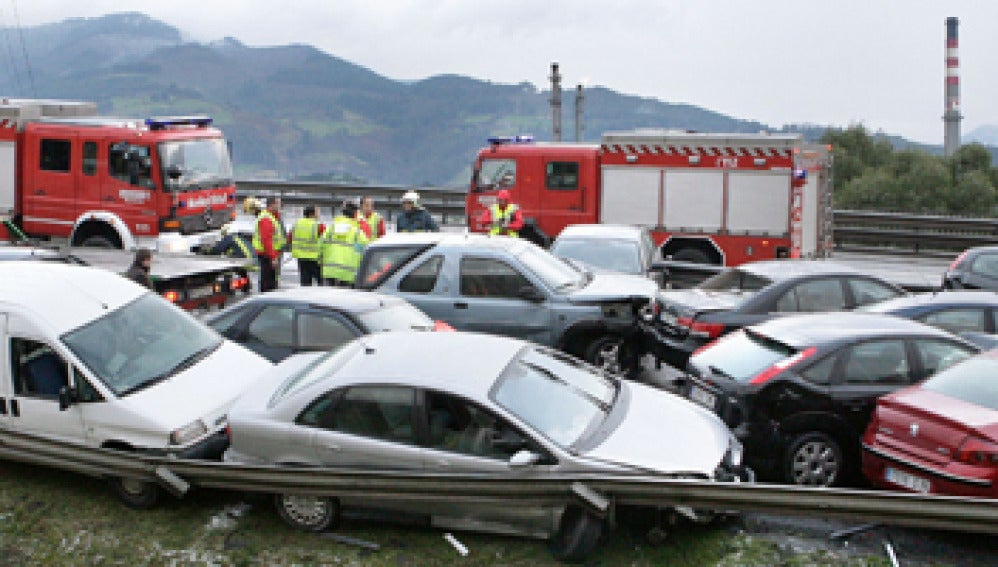 Accidente múltiple en la A-8