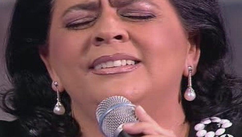 María del Monte da el cante