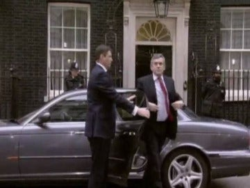 Llegada de Gordon Brown a Downing Street