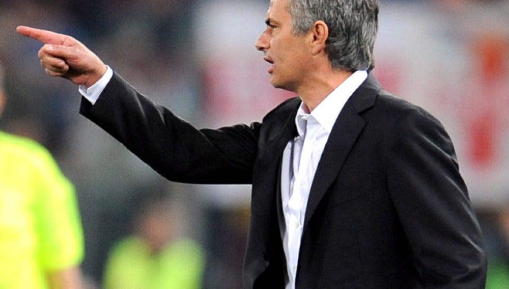Duelo verbal entre Mourinho y Ranieri