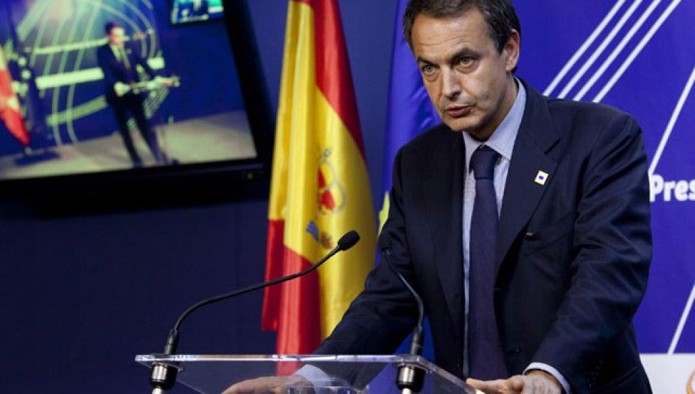 Zapatero reducirá el déficit
