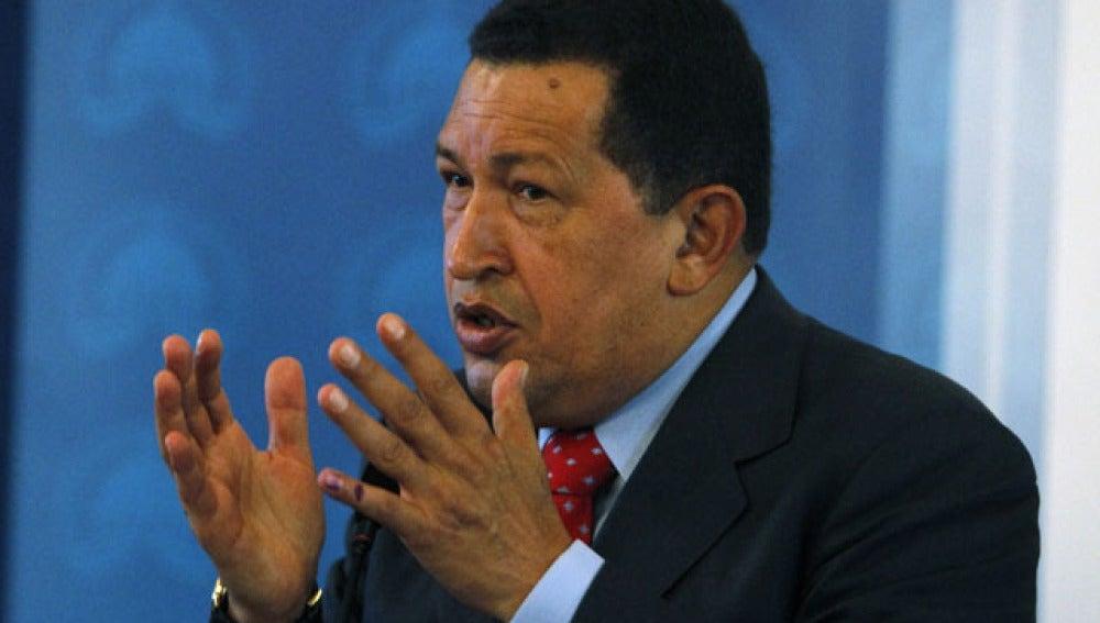 Chávez crea un grupo para contestar su Twitter