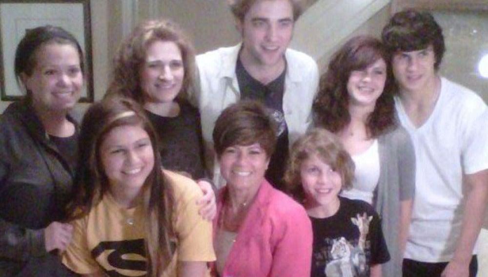 Pattinson da una sorpresa a domicilio