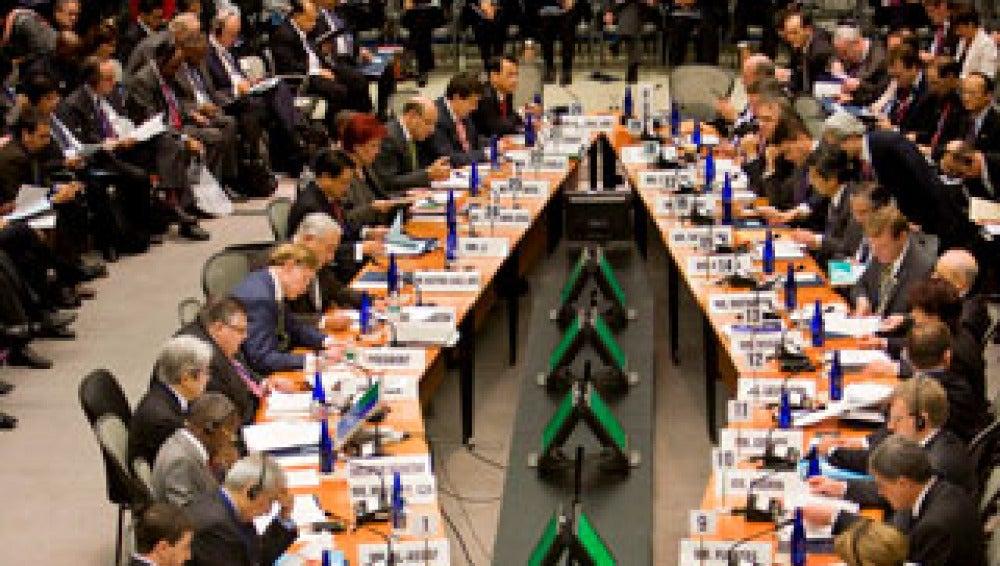 España debe hacer un ajuste fiscal mayor