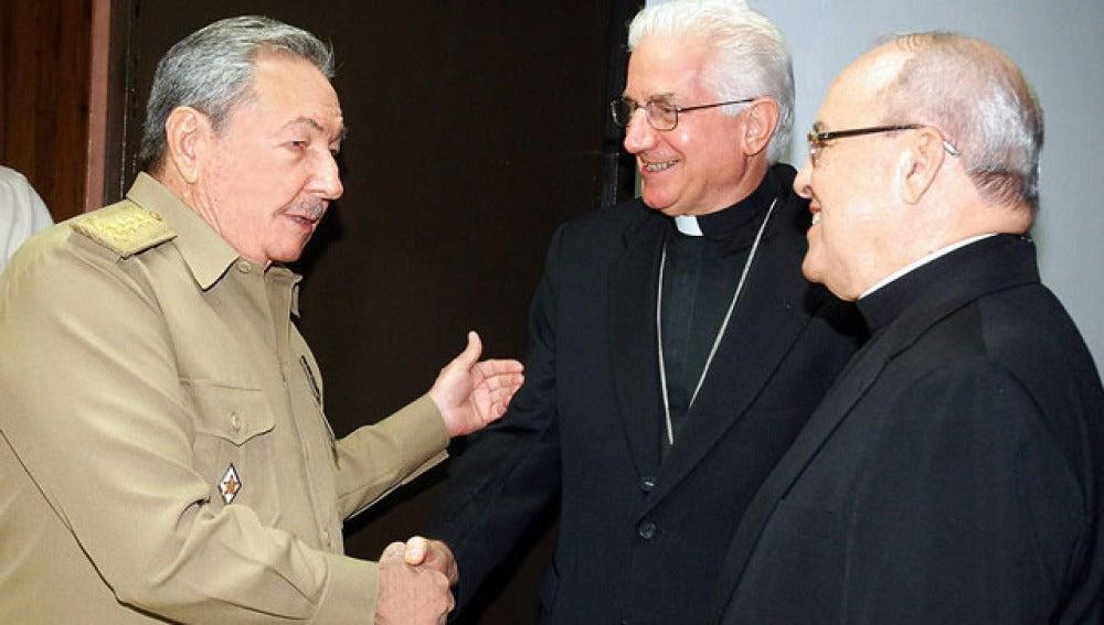 Castro y Iglesia inician proceso de diálogo