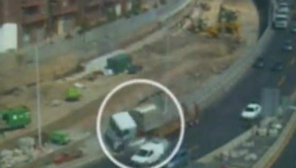 Choque de un camión en la A-8