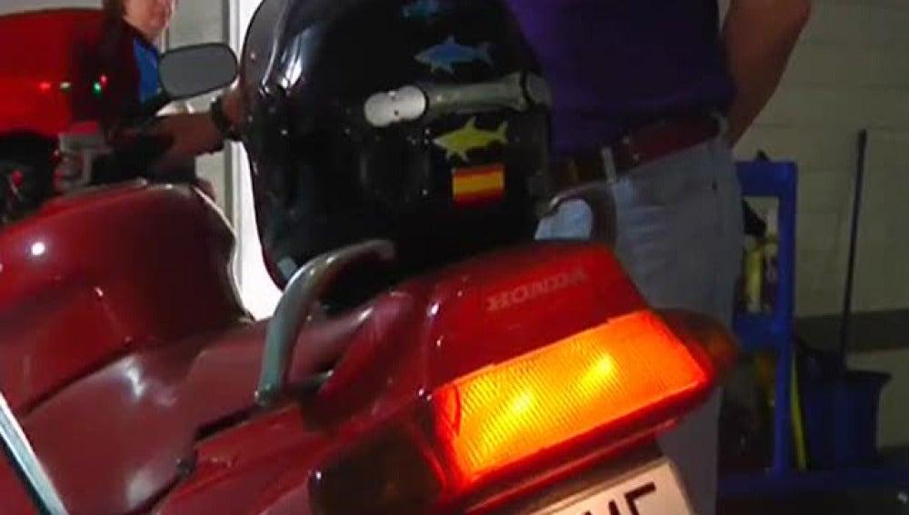 Segunda luz de freno en el casco