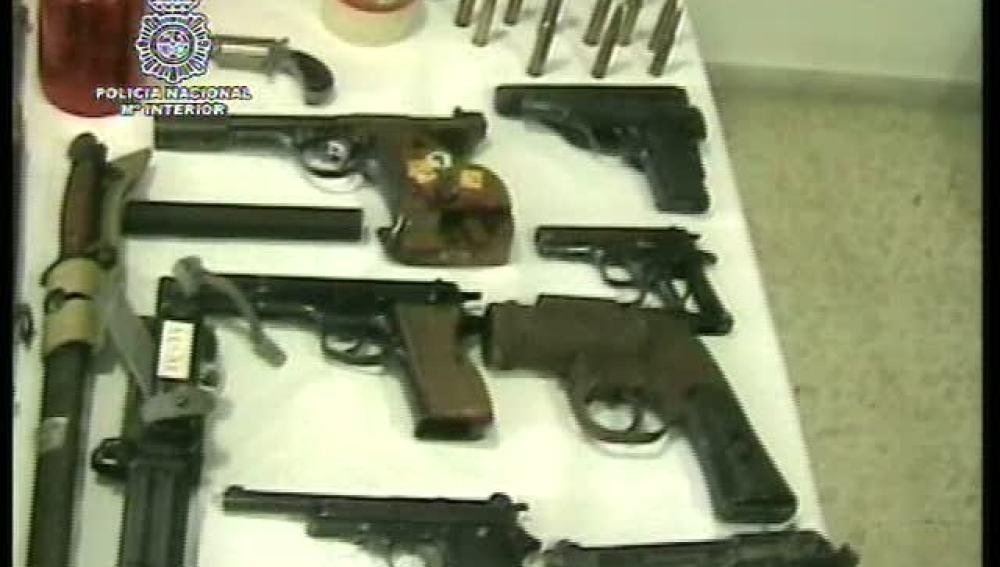 Casi 100 armas incautadas por la Policia Nacional
