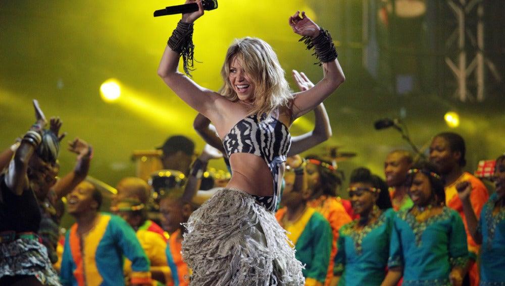 Shakira baila el Waka-Waka