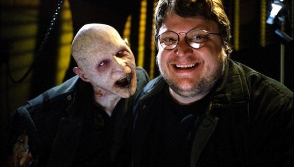 Guillermo del Toro responde a los internautas