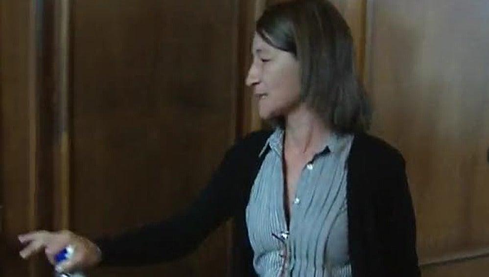 La hermana de Mari Luz Posse abandona la sala
