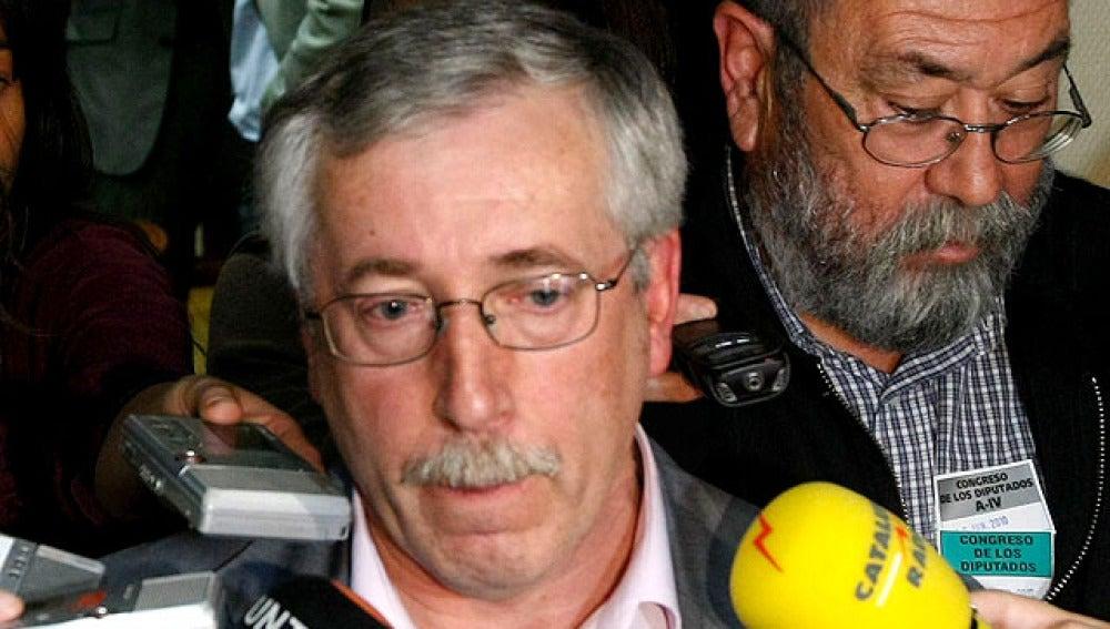 Fernández Toxo atiende a los medios de comunicación