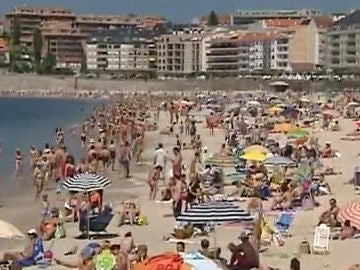 Playa de Sanxenxo. Sanciones por no usar la mascacrilla frente al coronavirus