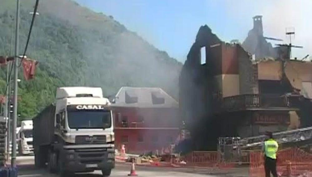 Seis heridos en una explosión de gas en Lleida
