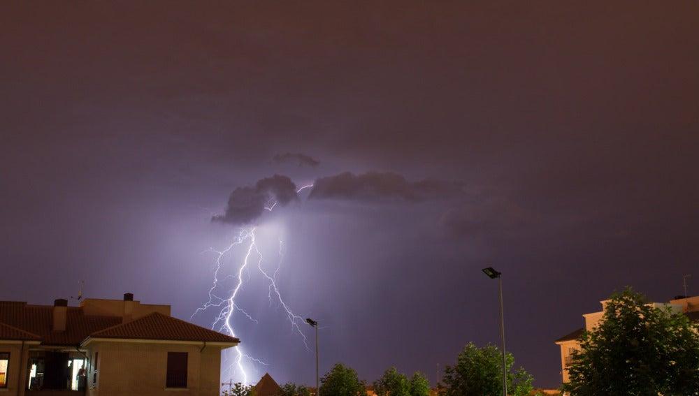 Relámpago de la tormenta (Carlos Naharro)