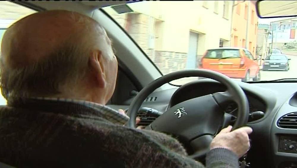 Los mayores son mejores conductores que peatones