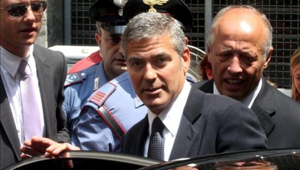 George Clooney testifica antes el Tribunal de Milán