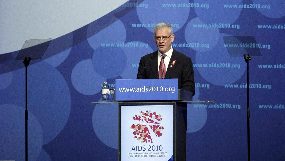 El presidente de la Sociedad Internacional del Sida, Julio Montaner, durante la inauguración