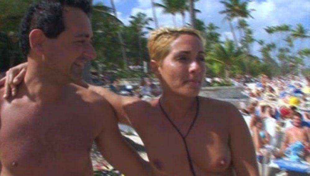 Los españoles se divierten en playas dominicanas