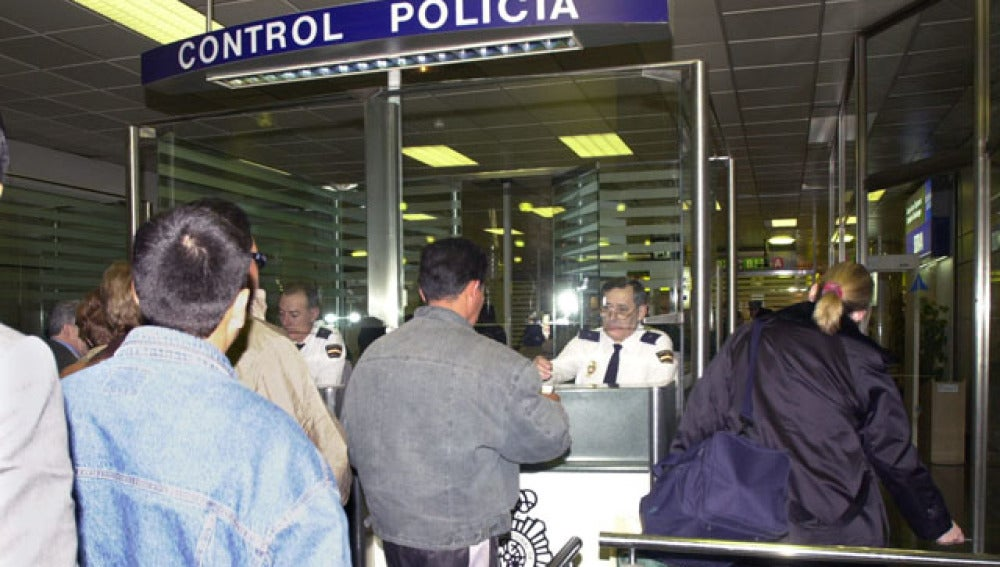Se reducen en 100.000 los extranjeros residentes