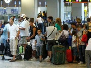 Colas en el aeropuerto de Barajas