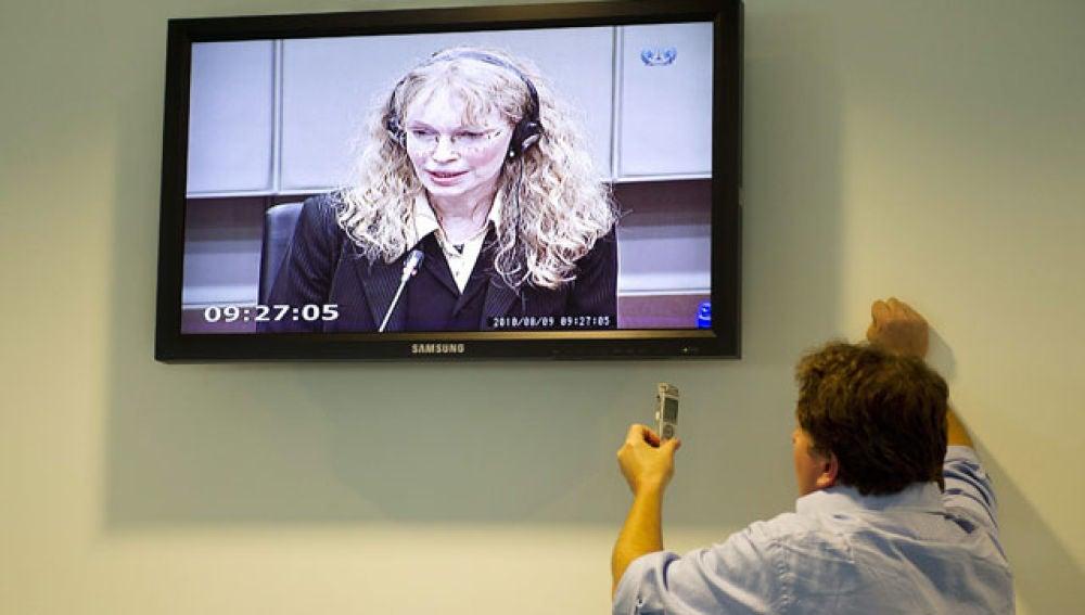 Mia Farrow declara en La Haya