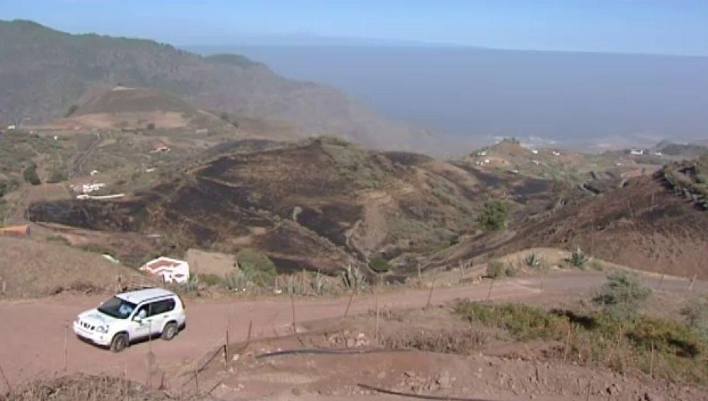 50 hectáreas quemadas y 20 personas desalojadas en Gáldar50 hectáreas quemadas y 20 personas desalojadas en Gáldar