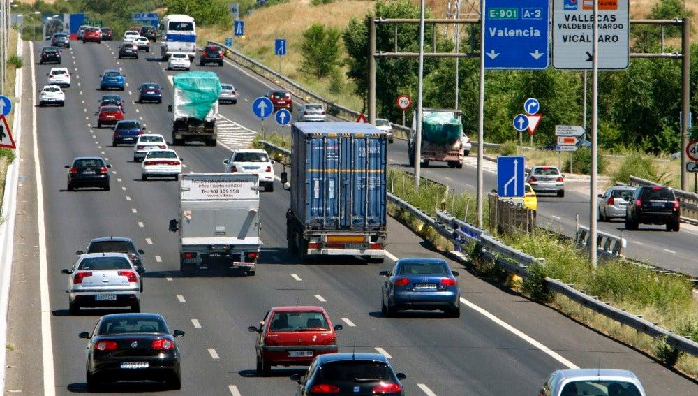 Mucho tráfico en las carreteras principales