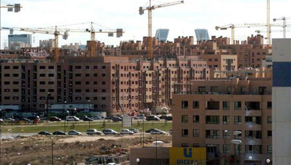 Imagen de varios edificios en fase de construcción